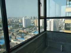 市中心现有一套毛坯房,大产权,120平,低价诚售