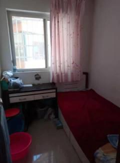 金枫苑小区有房本,需全款,带家具家电诚售