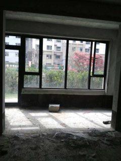 (西城区)交通国际花园2室1厅1卫96.5m²毛坯房