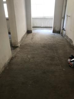 梧桐名邸4室2厅2卫168m²毛坯房