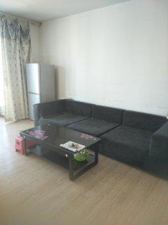 3室2厅1卫1400元/月140m²出租